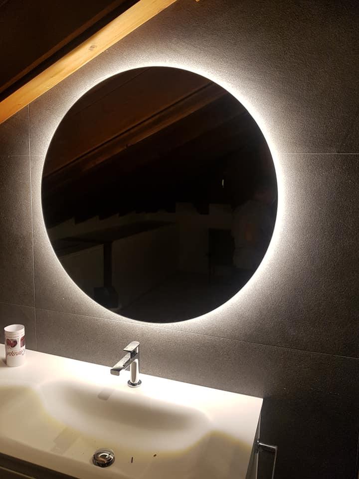 Specchiera bagno retroilluminata