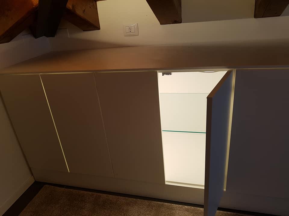 Illuminazione interno mobili